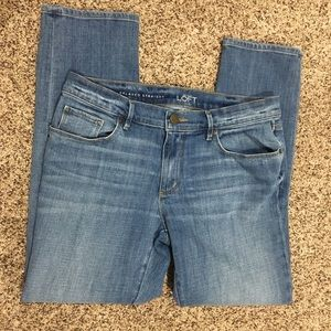 LOFT Relaxed Straight Light Wash Jeans Size 28/6